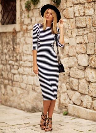 Теплые платья в полоску