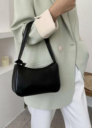 Трендовая сумка багет женская новая черная с короткой ручкой с бабочкой