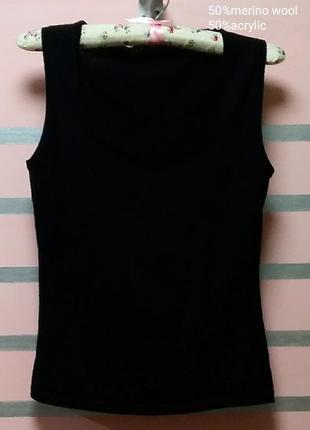 Черный шерстяной джемпер ,жилет от итальянского бренда esisto