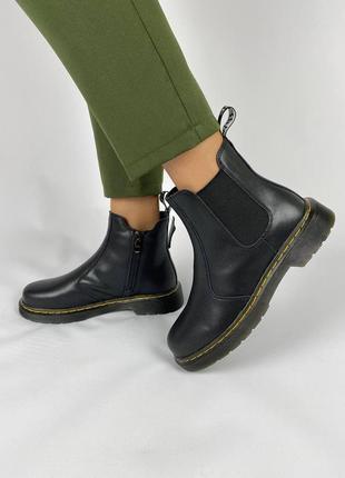 Женские ботинки на осень/весну черные натуральная кожа на змейке