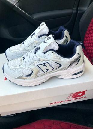 Классные женские кроссовки new balance 530 белые с серебристым