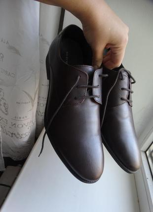 Туфли из натуральной кожи kurt geiger 43 размер