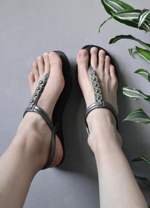 Мягкие резиновые сандалии через палец въетнамки sence by grendha