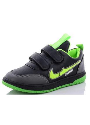 Детские черные кроссовки с зеленой вставкой