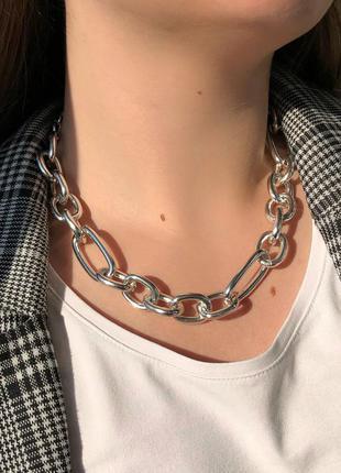 Большая цепь на шею с разными звеньями в золоте и серебре