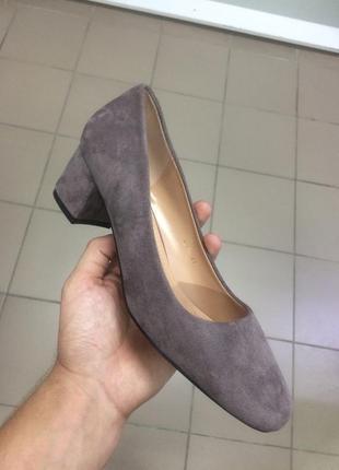Стильные женские туфельки большие размеры