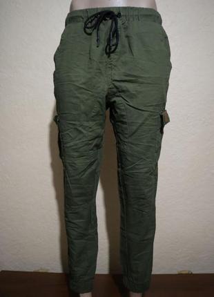 Классные хлопковые брюки с боковыми карманами размер s