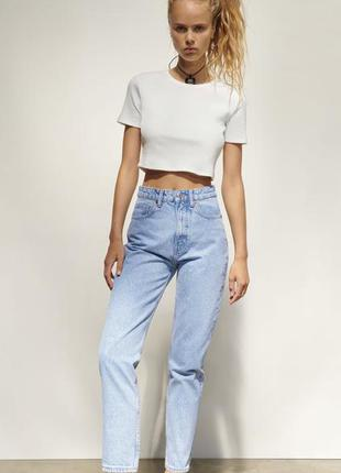 Базовые голубые джинсы мом zara в наличии есть размеры