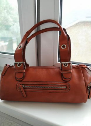 Кожаная сумка багет aldo с короткими ручками
