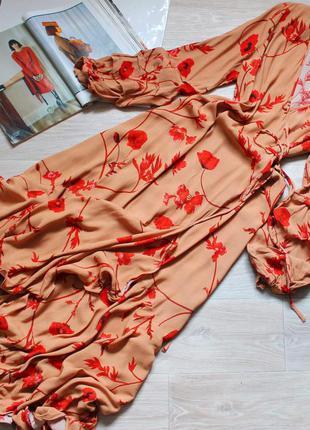 Нереально красивое платье на запах с цветами