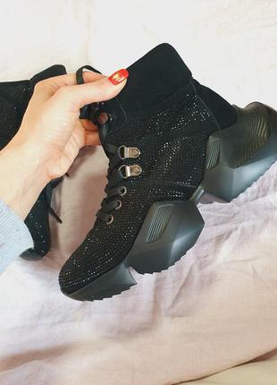 Кожаные ботинки кроссовки в стразах турция