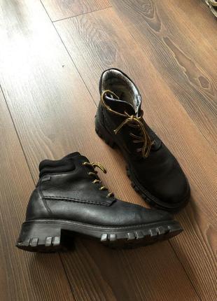 Кожаные ботинки на массивной подошве ботинки на шнуровке gor-tex