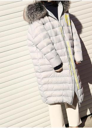 Стеганое пальто-пуховик оверсайз мех лисы