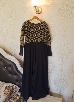 Чёрное с золотым элегантное платье