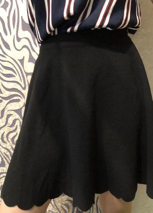 Базовая чёрная юбка от бренда house