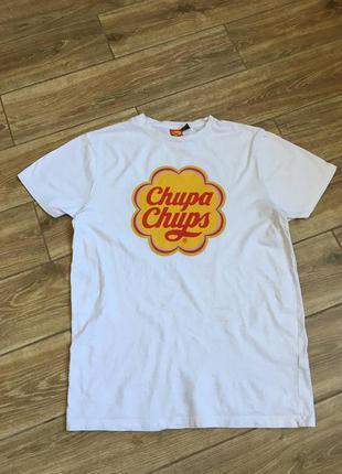 Белая объёмная футболка мерч чупа чупс с логотипом
