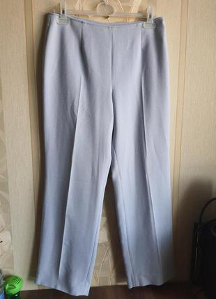 Женские классические брюки нежного голубого цвета