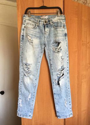 Джинсы женские рваные, светлые голубые джинсовые штаны gloria jeans р. xs-s