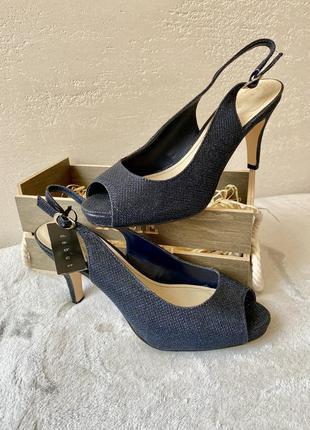 Босоніжки, туфлі, взуття, обувь, каблук, шпилька