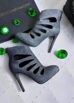 Rebecca minkoff оригинал серые замшевые ботильоны на высокой шпильке