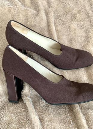 Круті туфлі charles jourdan