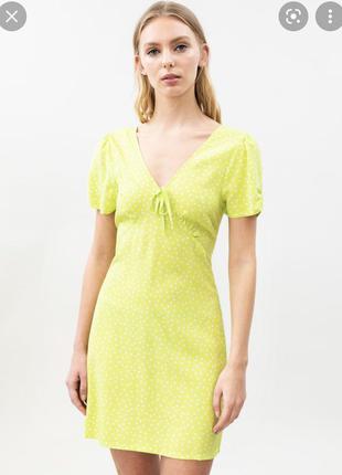 Платье салатовое lefties от zara м