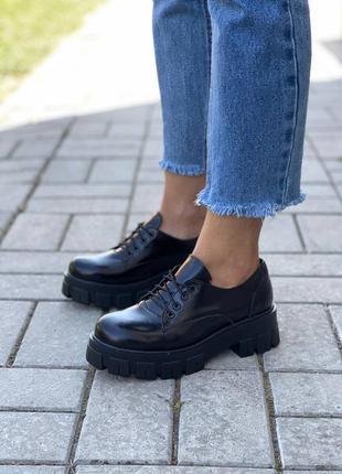 Женские чёрные броги туфли натуральный лак