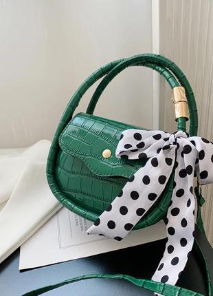 Маленькая сумочка клатч зеленая питон длинная ручка