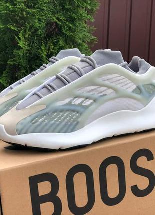 🏃🏻♀️  рефлективные кроссовки adidas yeezy boost 700