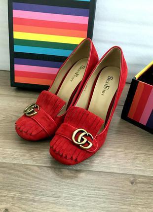Замшевые туфли в стиле gucci