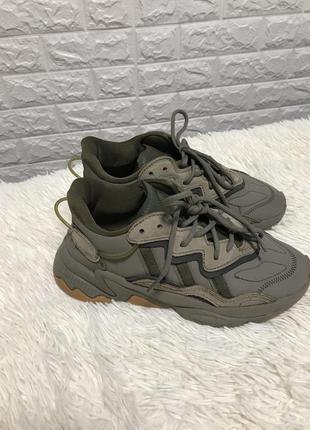 Adidas кросовки /кожа