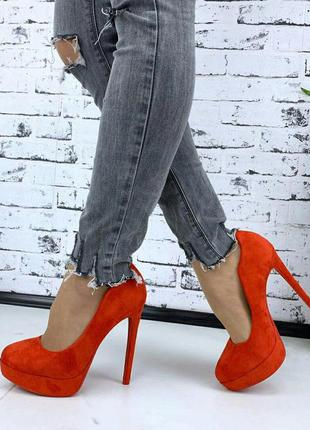 Шикарные бомбезные красные туфли на высоком каблуке