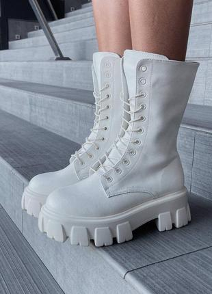 Женские ботинки prada hight boot white