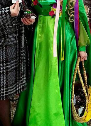 Шикарное карнавальное платье весны