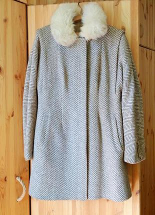 Утепленное осеннее пальто 48-50 размер