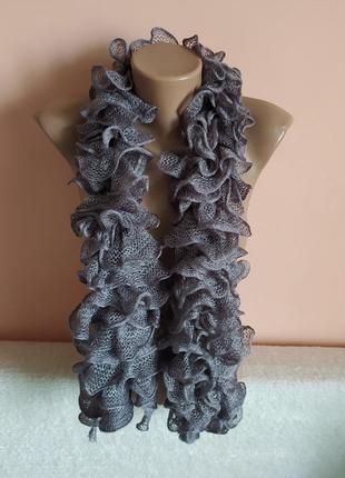 Як новий,в ідеалі!шикарний шарф, можна носити різними варіантами.