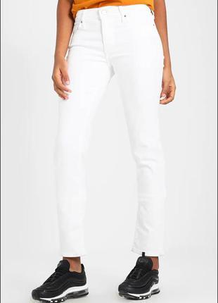 Белые женские джинсы levi's levis 712 slim