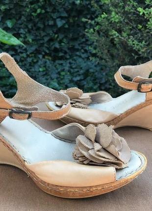 Женские кожаные босоножки pretty feet ( претти фит 38.5-39.5рр 24-24.5см оригинал бежевые)