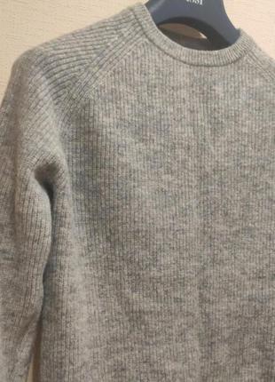 Женский шерстяной свитер фирмы raging green, размер l.