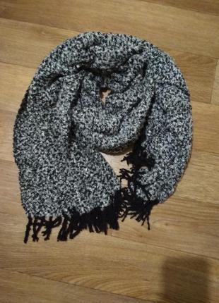 Тёплый, широкий шарф