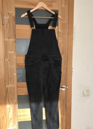 Levi's чёрный джинсовый комбинезон