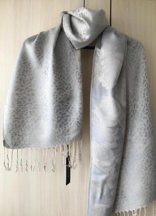 Перламутровый набивной шарф, палантин mohito / серо-бежевый