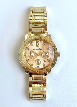 Женские металлические часы золотистые с датой цвета золото