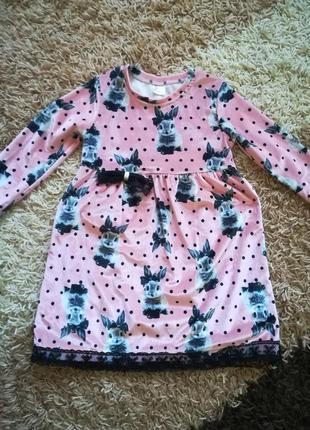 Велюровое платье с кроликами