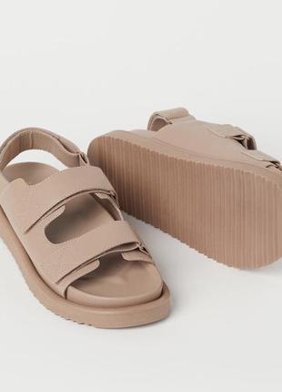 Стильные сандали h&m