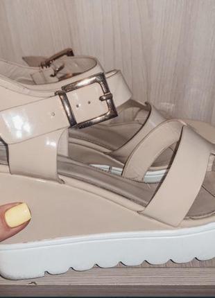 Босоножки летняя обувь на платформе