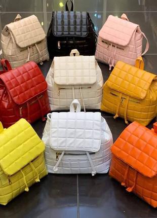 Жіночий рюкзак-сумка середнього розміру