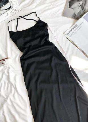 Новое чёрное длинное платье с открытой спинкой от missguided