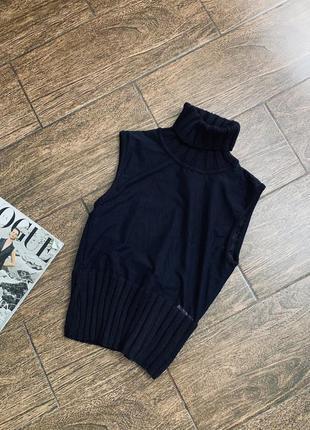 Потрясающе стильная вязаная безрукавка/свитер. . оригинал