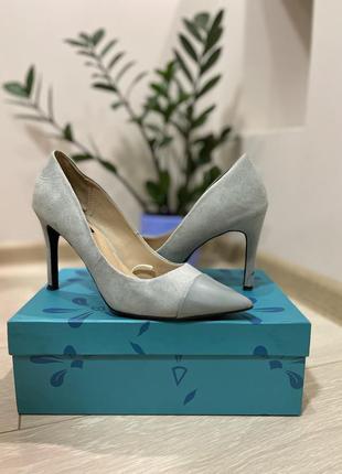 Голубые туфли zara